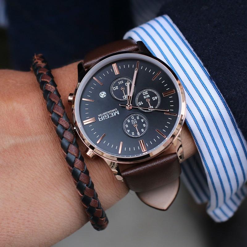 cdd80d72cb7 ... del ure at vælge imellem. Og derfor skal man heller ikke få dårlig  samvittighed, hvis man føler sig fristet til at købe mere end et ur, når  man er inde ...
